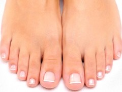 Various Treatments And Home Remedies For Nail Fungus